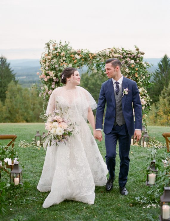 Vintage Chic Wedding at Cedar Lakes Estate planned by Leslie Price of In Any Event NY
